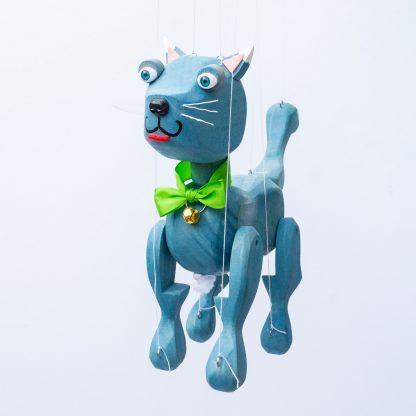 Handgemachte Marionette aus Holz und Filz - süße blaue Katze stehend vorne