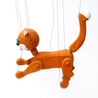 Handgemachte Marionette aus Holz und Filz - niedliche rot braune Katze seitlich
