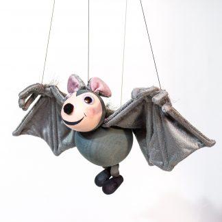 Augsburger Puppenkiste Marionette von Kalle Wirsch Fledermaus Tutulla im Flug